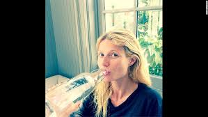 gwyneth paltrow also posted an insram picture of herself sans makeup in march 2016