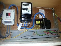 very old henley fuse box page 4 diynot forums this is my fuse box in my flat i dont know if its the same but if it is all they would of done is pull out that fuse