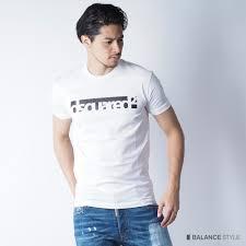 シンプルかつユニークなロゴデザインディースクエアードのtシャツで