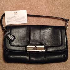Sale  COACH Kristin black leather large Wristlet