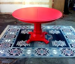 red round dining table wallpaper