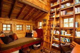 Treehouse masters interior Tiny Evergreen Interior Bookshelf photo Vc Moss Colorado Homes And Lifestyles Get Away From It All With These Treehouses
