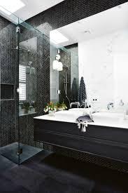 Diese Badezimmer In Schwarz Wirken Elegant Luxuriös Und Absolut