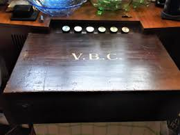 large wooden box hinge lid gilt v b c badminton club upper divided tray 20