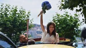 Volkan Babacan ve eşi Hilal Özdemir, düğün öncesi Boğaz'da tur attı -  Magazin haberleri