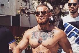 чеченский двойник конора макгрегора получил нож в шею