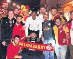 Galatasaray odeabank erkek basketbol takımı'nın uleb avrupa kupası'nda bayern münih'e konuk olduğu maçı izleyen david alaba, gstv'ye açıklamalarda bulunarak, galatasaray taraftarı olduğunu bir kez daha dile getirdi. Bayern Munihli Alaba Aslan A Destek Verdi Takvim
