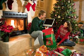 survive the holidays these tech support tips tech ehow the holidays are the time we gather together our relatives for food family and tech support questions if you know even a little bit about computers