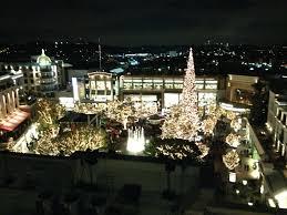 Glendale Americana Christmas Tree Lighting File Americana At Brand With Tree Jpg Wikimedia Commons