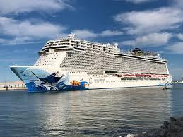 what norwegian cruise line says happened