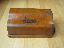 cris site on antique mechanical four function calculators