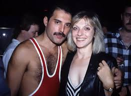 Skillful, charismatic, and flamboyant vocalist who achieved global fame as the frontman with british rockers queen. Amazing Images Of Freddie Mercury With His First And Only True Love Mary Austin Artfido