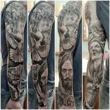 черная тату на спину голову руку для мужчин