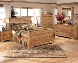 Nice 5 Reasons To Choose Pine Bedroom Furniture Sets : Rustic Pine Bedroom  Design With Bed Frame