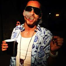 Then james franco took inspiration from riff raff for his role as alien, spring breakers. Pin On Fashion