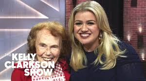 Jay Leno, Kelly And Bryce Vine Bake With 100-Year-Old Marjorie Johnson |  The Kelly Clarkson Show - YouTube