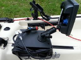 anyone shorten their transducer cable kayaking and kayak i did not cut mine but i agree it is long i did cut my power cable though i use a yakattak cellblok to house my battery and transducer wire