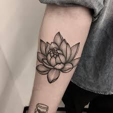 Graphic Lotus Tattoo On Forearm Forearmtattoominimalist эскизы
