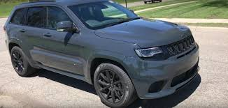 2018 jeep grand cherokee. modren cherokee youtuber drives 2018 jeep grand cherokee trackhawk to jeep grand cherokee