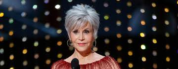 Bob hairstyles for women are nothing but a style in which the hair is cut typically around the head at the jaw's level. Jane Fonda Wanted Gray Hair To Surprise Everyone At The Oscars Glamour