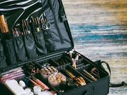 what s inside my pro makeup kit harry