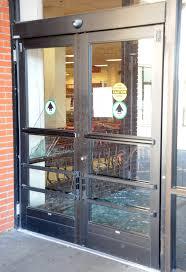 confused deer wreaks havoc on staten island store new york post modal