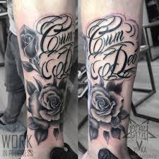 Chicano Tattoo розы и надпись на руке сделать тату у мастера вики