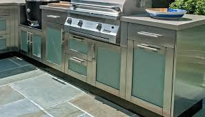 Brown Jordan Outdoor Kitchens Bringing The Inside Out Outdoor Kitchen Cabinetry 6 Week Summer