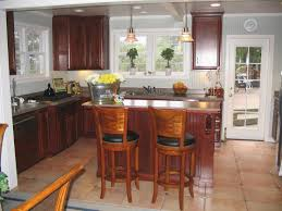 how to put up crown molding on kitchen cabinets new crown moulding in kitchen w cabinet crown finish carpentry