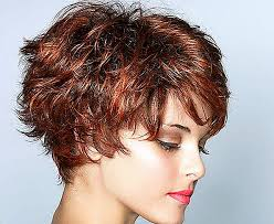 تسريحات الشعر سهلة وبسيطة للشعر القصير التصميم للبالغين