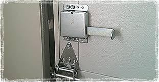 a garage door vacation lock