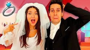 VIVIAMO UN GIORNO DA SPOSI!! - Matrimonio Me contro Te - YouTube