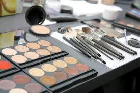 een make up door make up artiesten voor make up artiesten waar kennis en hand in hand samengaan