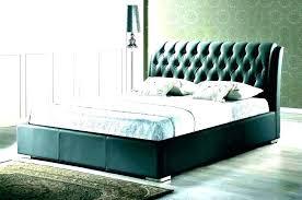 Classic Inspired Tufted Bed In Light Grey Frame Velvet