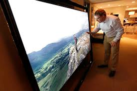 tv 85 inch. chris magas checks the picture resolution on 85-inch screen of samsung\u0027s $40,000 s9 tv 85 inch