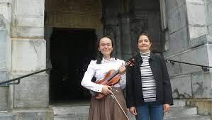 Lourdes. Un piano et un violon pour transmettre les émotions - ladepeche.fr