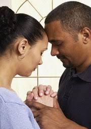Resultado de imagen para esposos orando