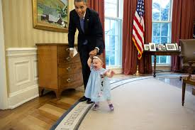 obama oval office. this moment happened when former deputy press secretary jamie smith and her family including one obama oval office o