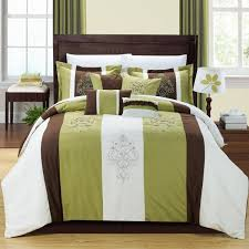 white and green sheets