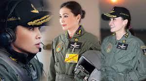 สมเด็จพระบรมราชินีสุทิดาฯ นักบินหญิงพระองค์แรก ที่ทรงฝึกเป็นนักบิน