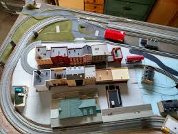 n scale layout gallery lloyd s layouts ez store n scale layout this n scale layout was designed to fold up against the wall for storage and we only use the space between the book shelf and the