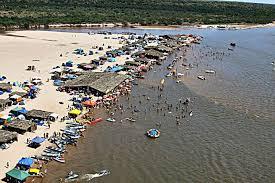 Resultado de imagem para praia no rio araguaia