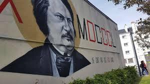 Lécrivain Balzac Façon Street Art à Tours Nord Info Toursfr L