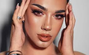 James charles is one of the most influential humans in the world of beauty, and up until this weekend, he was one of the most popular makeup gurus on youtube. James Charles Draws Record 10 000 Fans At Morphe Public Appearance Tubefilter
