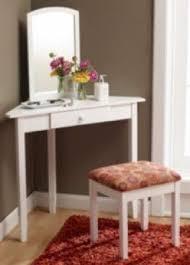 Modren Simple Bedroom Vanity With Inspiration