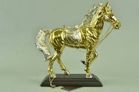 dels about thoroughbred horse cky derby triple crown racing fan art gift bronze db