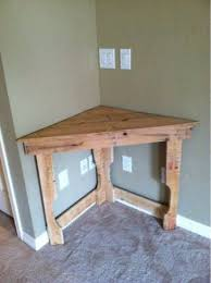 Pinner says-this could be great in the dining room for flowers or cell  phone charge station! Recycled pallet wood corner desk-how 'bout in the  corner of ...