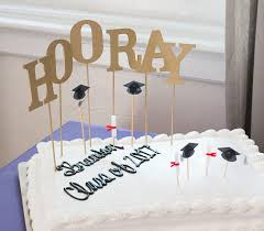 Diy Cake Topper A Graduation Hooray 17 Apart