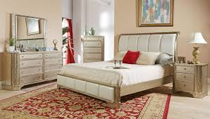 C4198A Contemporary Bedroom Group, Five Piece Set Includes: 1  Queen Size  Bed,