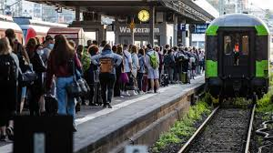 59 hq photos bahnstreik ab wann : Bahnstreik 2021 Aktuell Gdl Streik Drei Von Vier Fernzugen Entfallen Db Verspricht Erstattungen Sudwest Presse Online